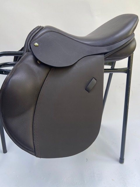 Ideal Impala 1450 Jump Saddle Special Offer