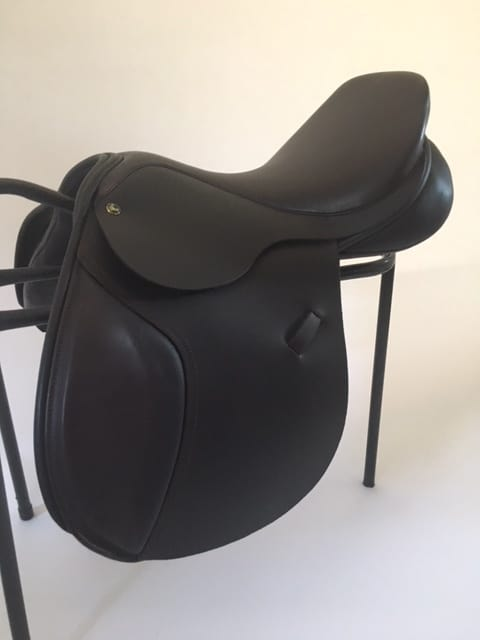 Ideal Nyala Jump/GP Saddle 17 1/2″ MW £1095