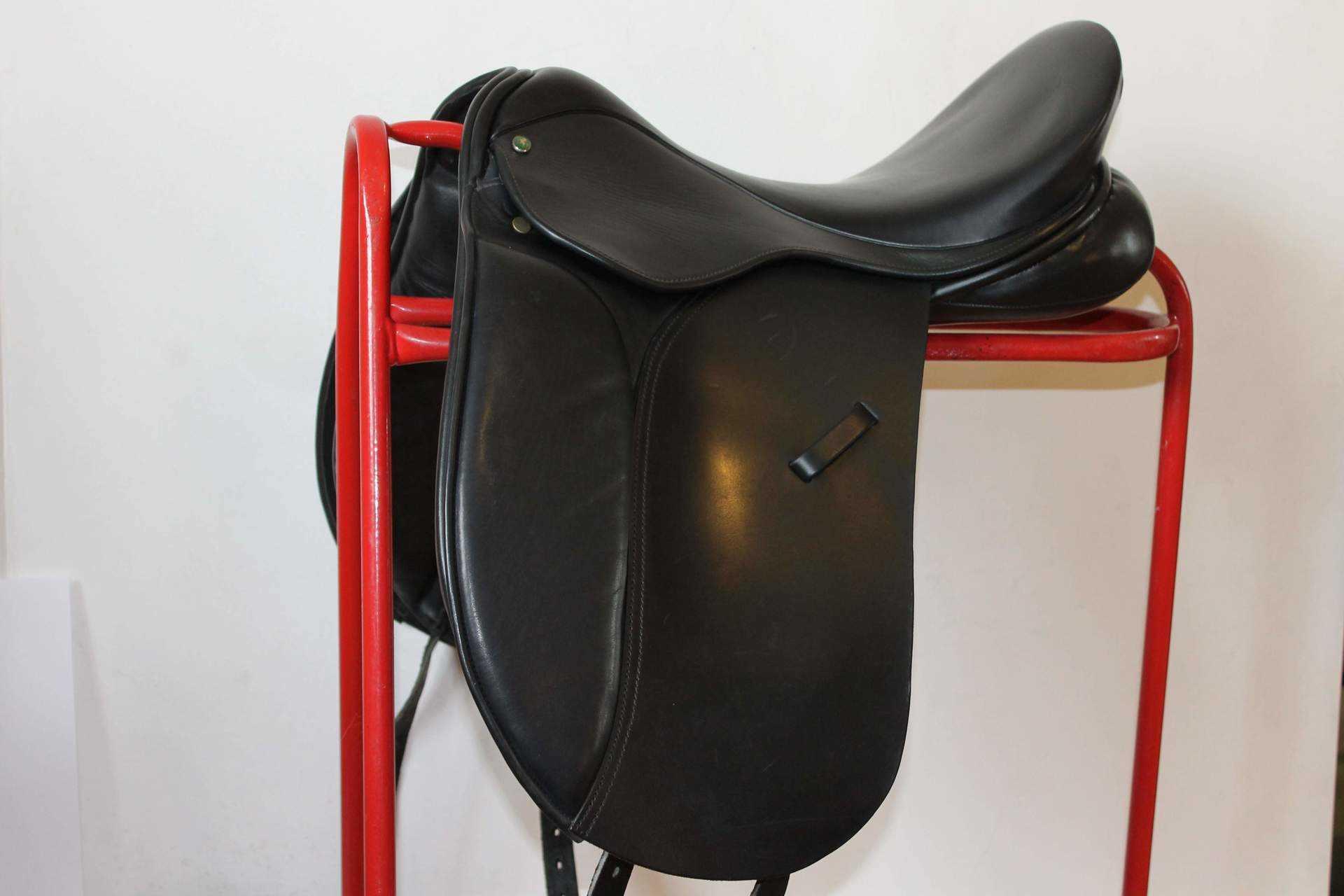 Minster Dressage Saddle SPECIAL OFFER £650
